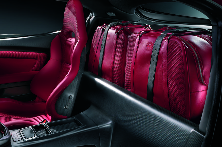 alfa-romeo-8c-luggage-space
